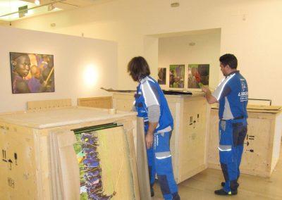 Mudanzas de exposiciones en Sevilla